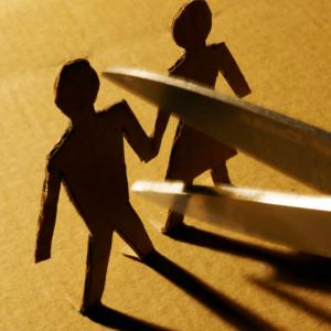 Couple Petty Arguments Threaten Split